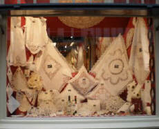 Bruges_-_lace_shop