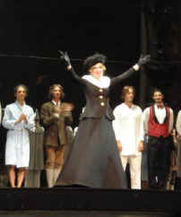 Curtain_call_for_Anna_Schwanewilms