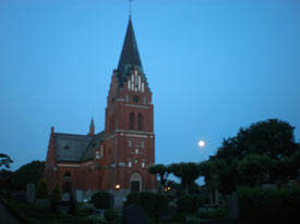 Glemmingebro-Church-with-full-moon