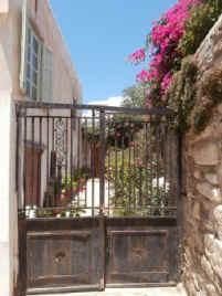 Hidden_gem_-_Naxos_Town