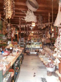 Honey_and_herbs_-_Apeiranthos_Naxos