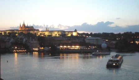 St_Vitus_and_Prague_Castle_at_sunset